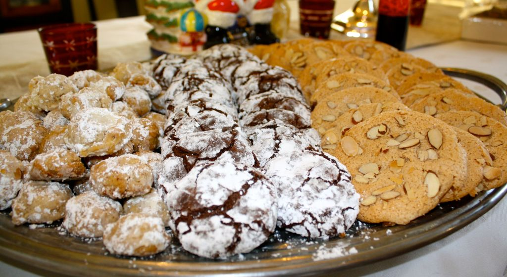 The cookies platter! (From left to right: Wedding, Chocolate Crinkle, & Almond Paste)